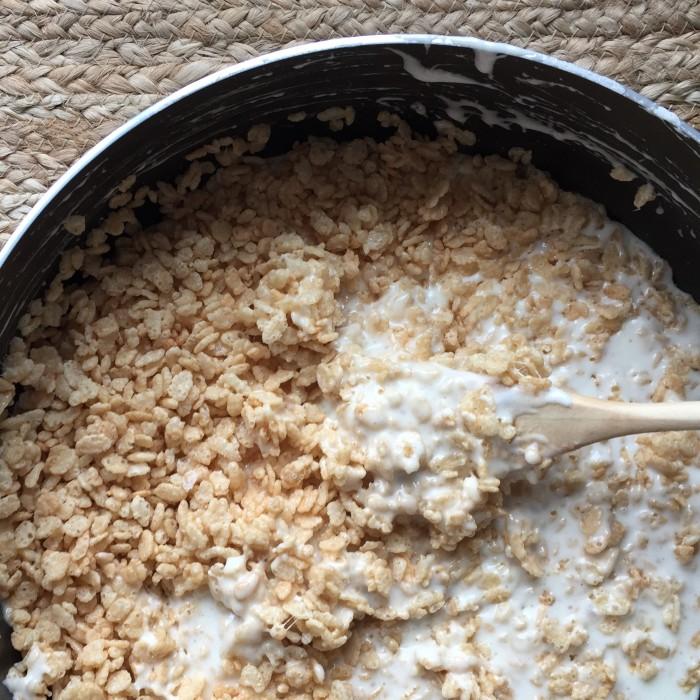 M&M's® Crispy Cake © www.roastedbeanz.com #CrispyIsBack #ad #collectivebias #shop