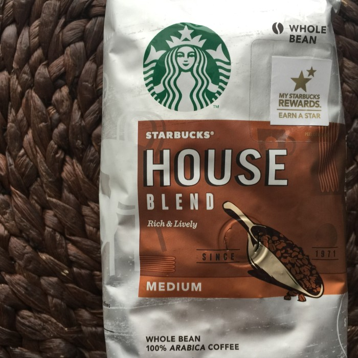 Starbucks Coffee and Roasted Beanz: © www.roastedbeanz.com #Coffee #CoffeeBlogger