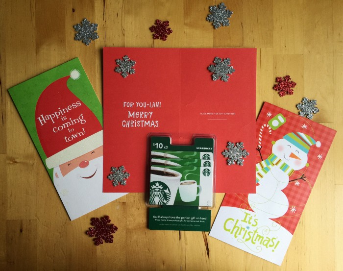 Keep Christmas Covered With A Gift Card Present That Keeps Giving © www.roastedbeanz.com #SendHallmark #ad #CollectiveBias #shop